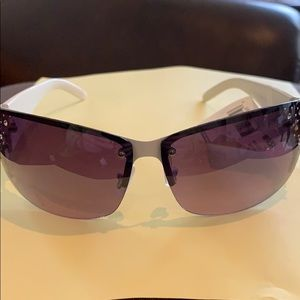 Contemporary sears sunglasses white